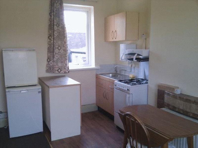 Kitchenette flat 6