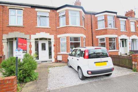 3 bedroom terraced house for sale - Wensley Avenue, Hull, HU6