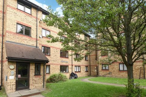 1 bedroom apartment to rent - Sunbury Court, Myers Lane
