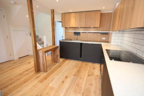 2 bedroom apartment - Woodland Gardens, Muswell Hill