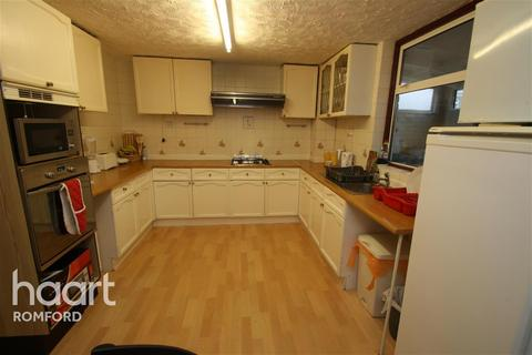 4 bedroom terraced house to rent - Myrtle Road - Harold Hill - RM3
