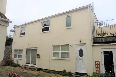 1 bedroom apartment to rent - Marine Court, 14-16 Summerfield Road