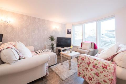 2 bedroom flat to rent - SPRING GARDENS, ABBEYHILL , EH8 8HU