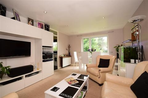 2 bedroom flat for sale - Trotwood, Chigwell, Essex