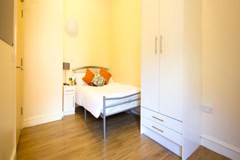 1 bedroom property to rent - Classic 1 Bed, Daisybank Villas, Manchester