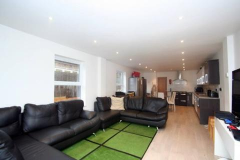 10 bedroom detached house to rent - 10 Bed, Bartlemas Road, Oxford