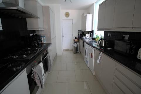6 bedroom terraced house to rent - Earlsdon Avenue North, Coventry, CV5 6GP