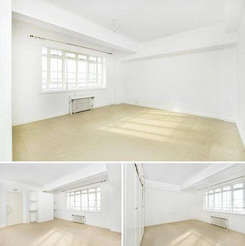 1 bedroom flat to rent - Paramount Court, University Street, Bloomsbury, London, WC1E