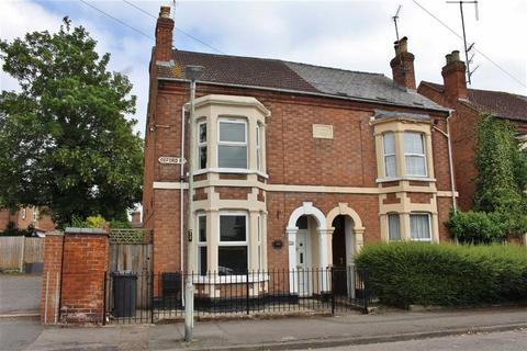 4 bedroom semi-detached house to rent - Oxford Road, Gloucester