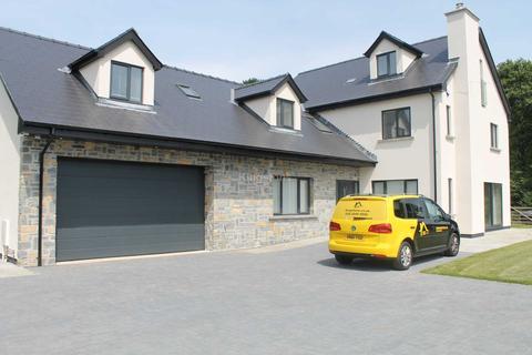 5 bedroom detached house to rent - Began Road, St Mellons, CF3 6XL