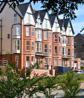 1 bedroom flat for sale - 3 Carlyon, Temple Street, Llandrindod Wells, LD1 5LU