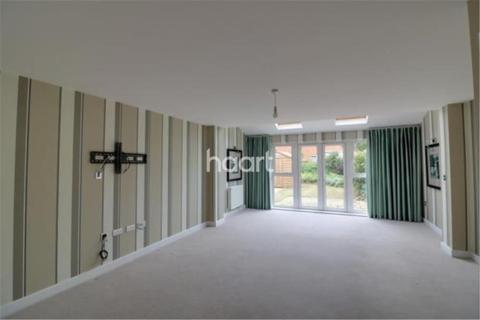 3 bedroom detached house to rent - Whitlock Avenue, Wokingham