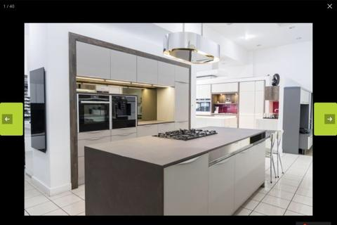 6 bedroom terraced house to rent - Hannan Road,  Liverpool, L6