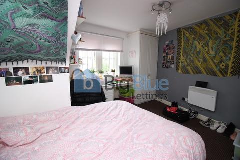 10 bedroom terraced house to rent - 40 Ebberston Terrace, Hyde Park, Ten Bed, Leeds