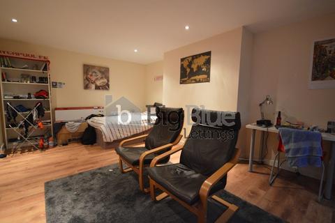 10 bedroom semi-detached house to rent - 9 North Grange Mount, Headingley, Ten Bed, Leeds