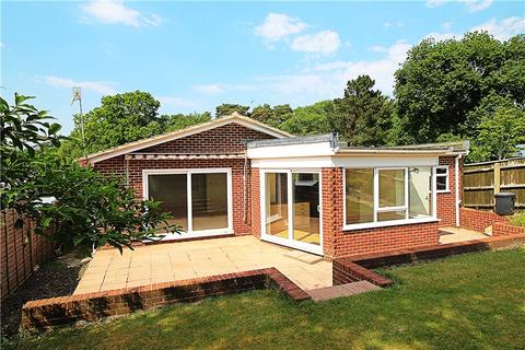 2 bedroom detached bungalow for sale - Lower Parkstone, Poole, Dorset, BH14