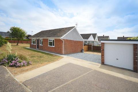 3 bedroom detached bungalow for sale - Longlands Drive, Wymondham