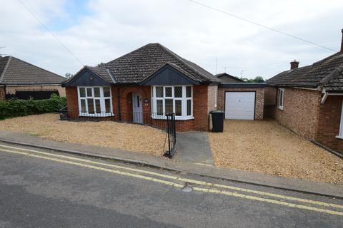 4 bedroom detached bungalow to rent - Ely