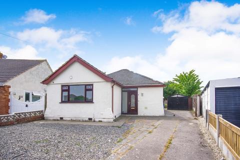 3 bedroom detached bungalow for sale - Overton Avenue, Prestatyn