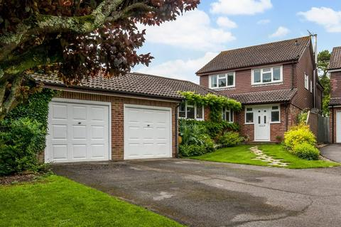 4 bedroom detached house for sale - Pine Close, South Wonston, Winchester, SO21