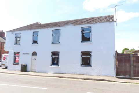 1 bedroom house share to rent - Wood Street, Kettering