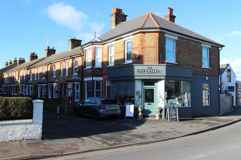 3 bedroom flat for sale - Church Path, Deal, CT14