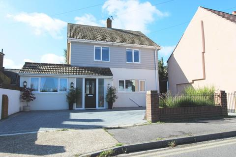 4 bedroom detached house for sale - Middle Deal Road, Deal, CT14