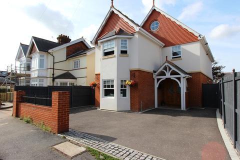 4 bedroom detached house for sale - Grange Road, Deal, CT14