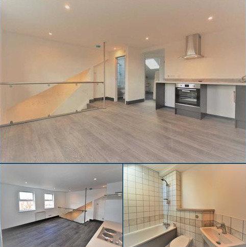 2 bedroom flat to rent - Horn Lane top floor flat, Acton