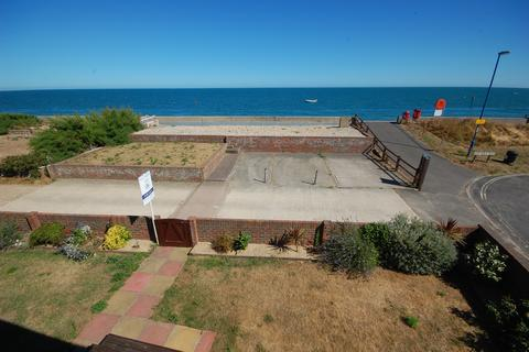 4 bedroom detached house for sale - East Beach Road, Selsey PO20