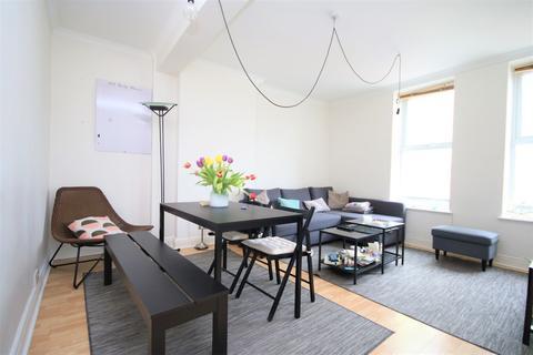 2 bedroom apartment to rent - Upper Street, London, N1