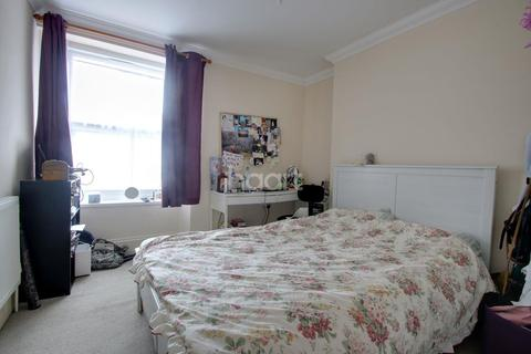 3 bedroom end of terrace house for sale - Furzehill Road, Plymouth