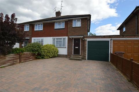 2 bedroom semi-detached house to rent - Malone Road, Woodley, Reading
