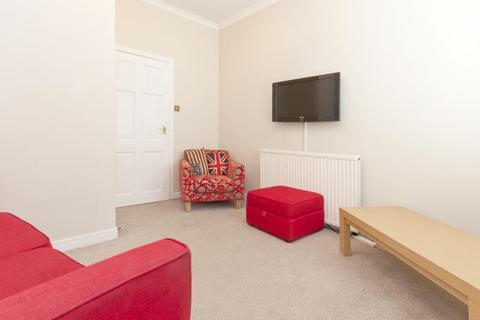 3 bedroom flat to rent - 37 Rosemount Place, Aberdeen, AB25 2XD