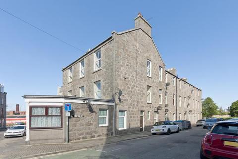 4 bedroom flat to rent - 1 Hill Street, 1F, Aberdeen, AB25 2XZ