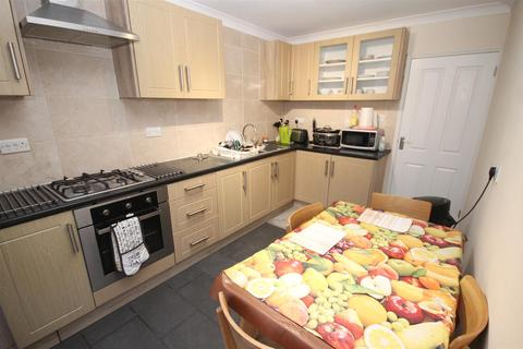 4 bedroom house to rent - Darrell Place, Norwich