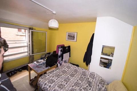 4 bedroom flat to rent - Denmark Street, Bristol