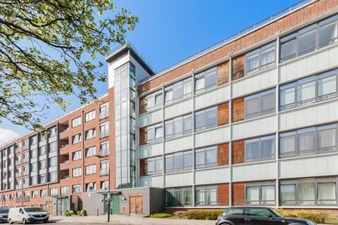 2 bedroom apartment to rent - Acton, London