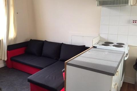 1 bedroom flat to rent - Queens Garden