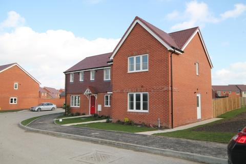 3 bedroom house to rent - Hyton Drive, Deal, CT14