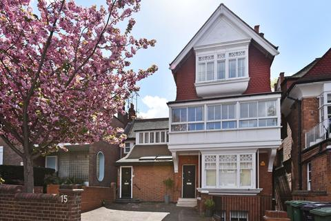 3 bedroom flat for sale - Arkwright Road, London. NW3