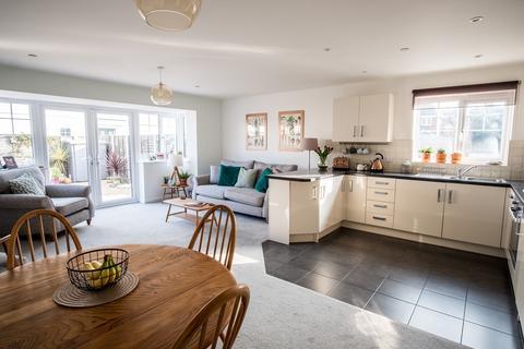 3 bedroom semi-detached house for sale - Kings Close Ensbury Park - HillView Catchment