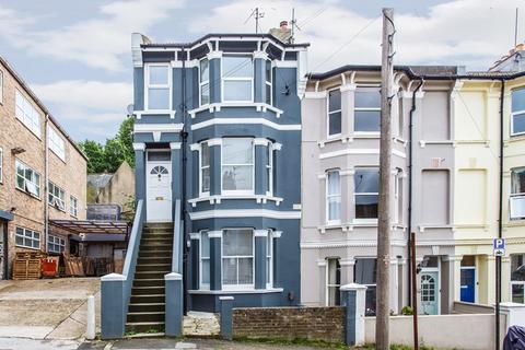 3 bedroom maisonette for sale - Gladstone Place, Brighton