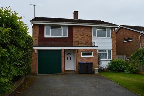 4 bedroom detached house to rent - Oak Hall Park, Burgess Hill RH15