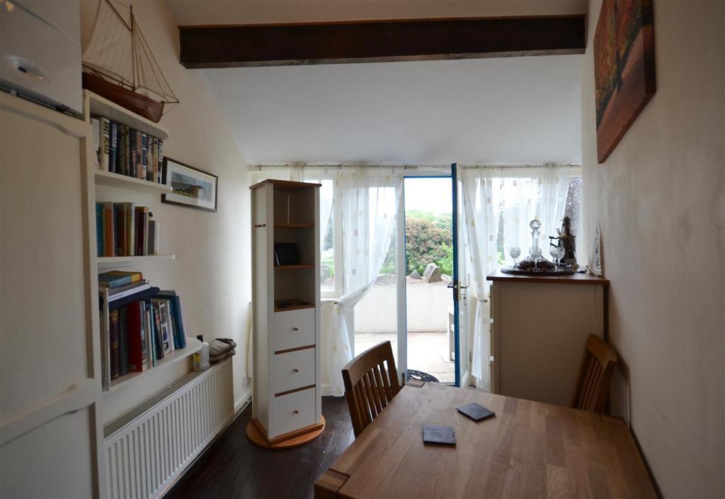 9 Reception Room.jpg