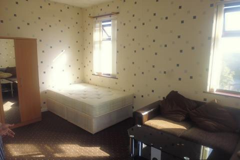 1 bedroom house share to rent - Manchester Road, Castleton, OL11