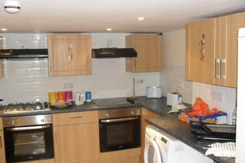 8 bedroom house to rent - 40 Headingley Avenue Headingley  Leeds