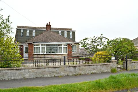 4 bedroom bungalow for sale - Fairway, Waltham, Grimsby, North East Lincolnshire, DN37