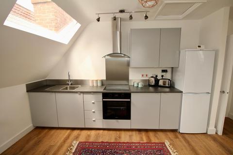 1 bedroom flat to rent - Top flat, Greville Road, BS3