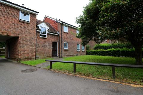 Studio for sale - Wyre Court, Tilehurst